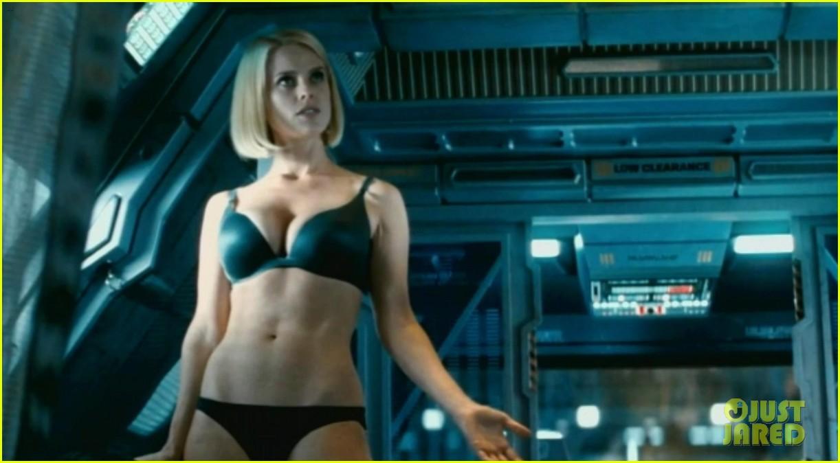 benedict cumberbatch shirtless shower scene for star trek 042876417