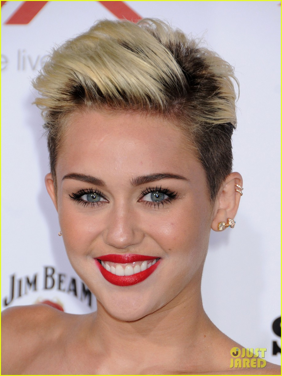 miley cyrus maxim hot 100 party 022871446