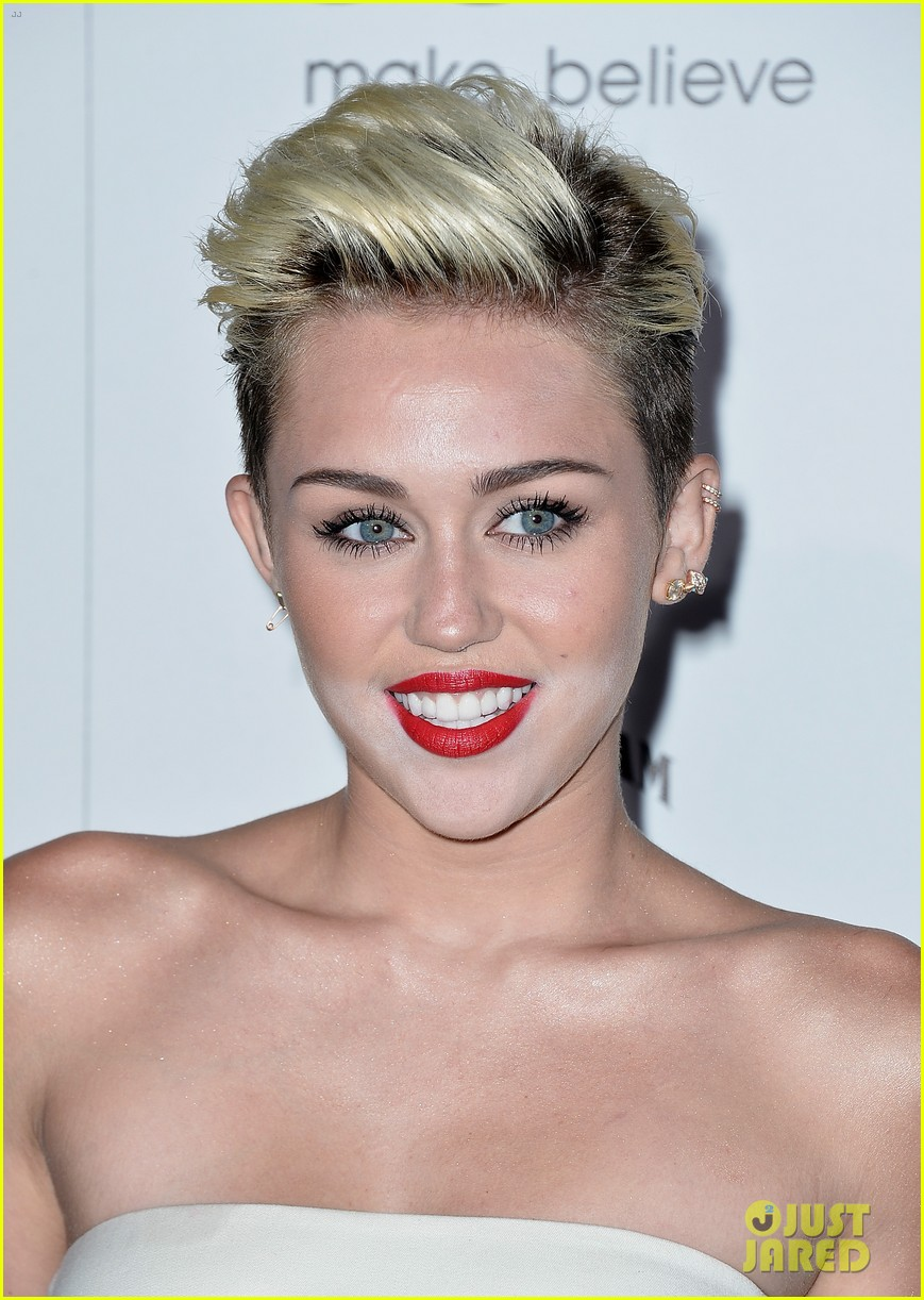 miley cyrus maxim hot 100 party 072871451