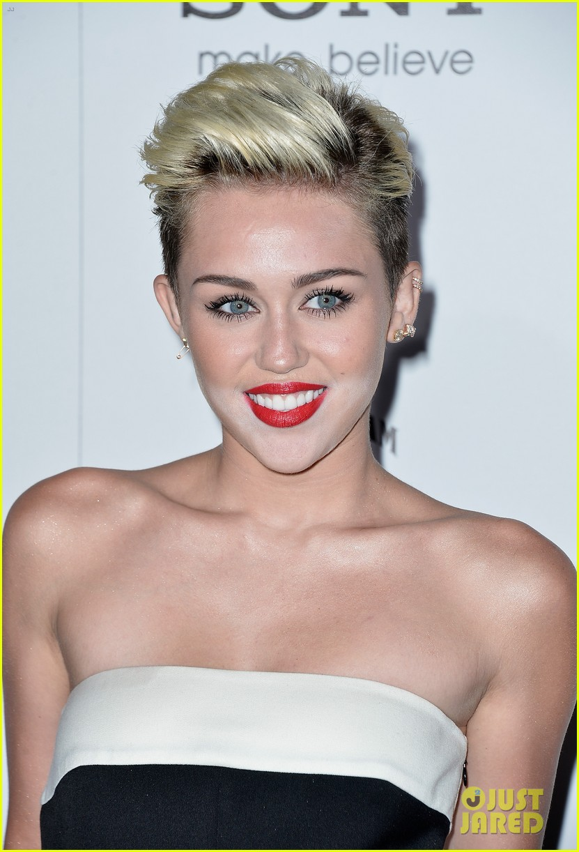 miley cyrus maxim hot 100 party 082871452
