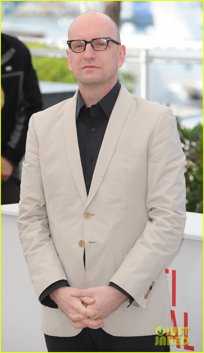 matt damon michael douglas cannes behind the candelabra photo call 012875306