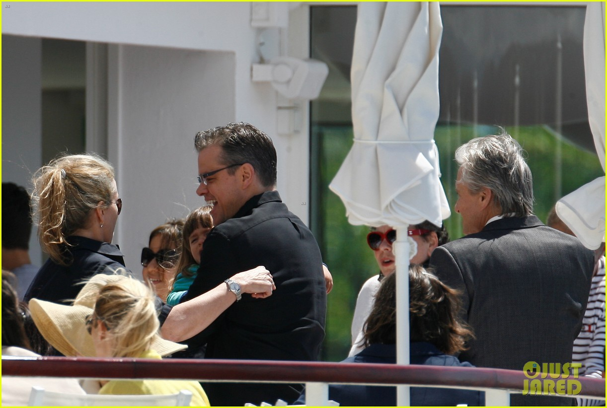 matt damon family dinner with michael douglas 092873742