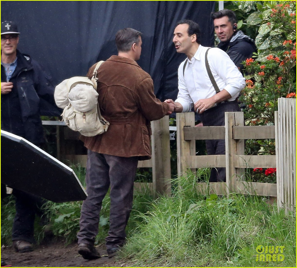 matt damon george clooney get to work on monuments men 052880919