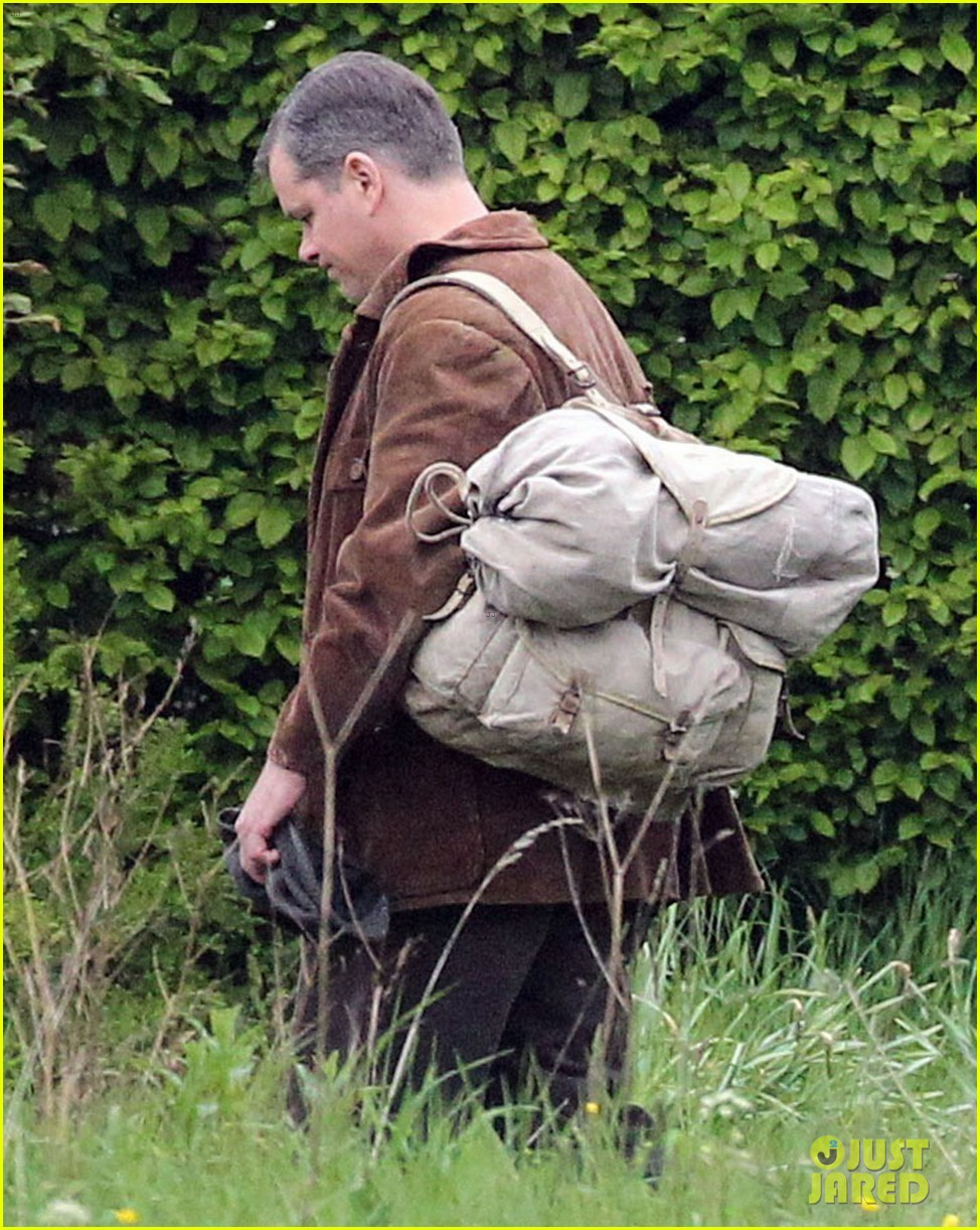 matt damon george clooney get to work on monuments men 122880926