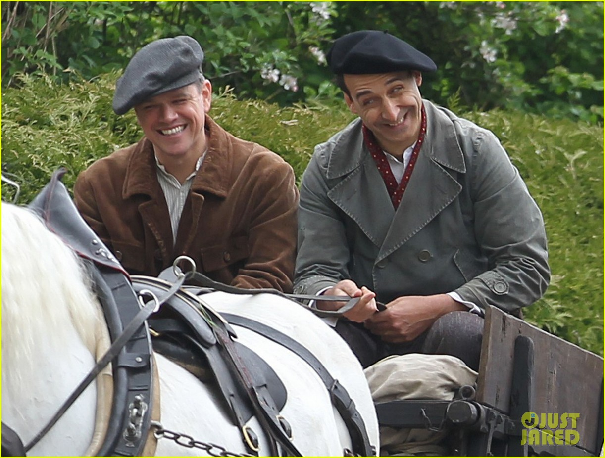 matt damon george clooney get to work on monuments men 182880932