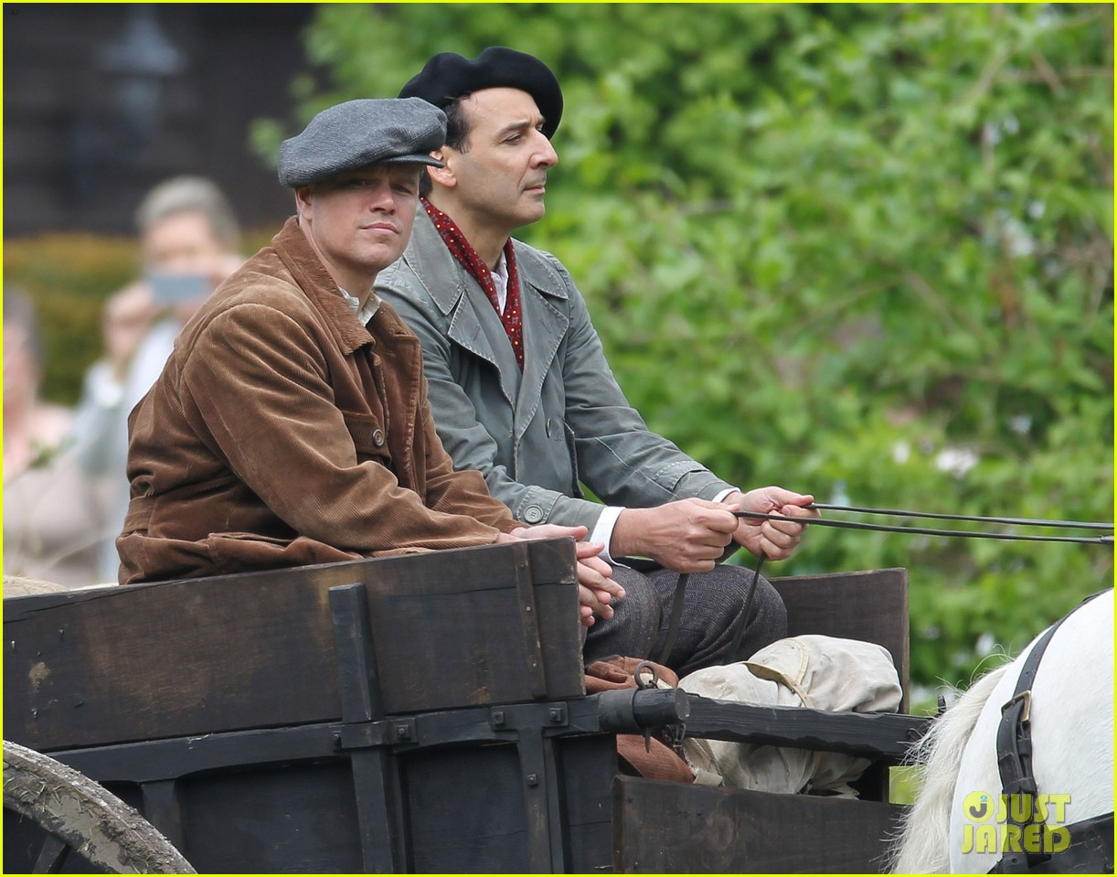 matt damon george clooney get to work on monuments men 23