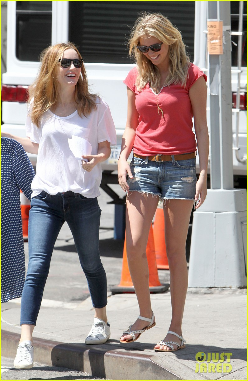 cameron diaz hides kate upton smiles wide on set 192862712