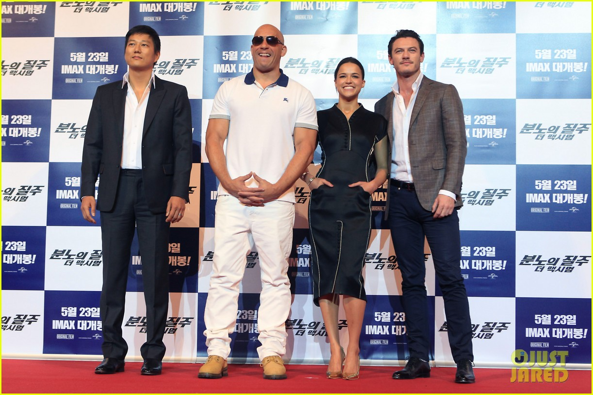 vin diesel michelle rodriguez fast furious 6 seoul press conference 01