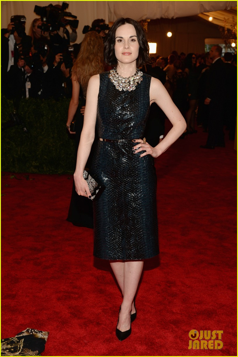 michelle dockery met ball 2013 red carpet 012865369
