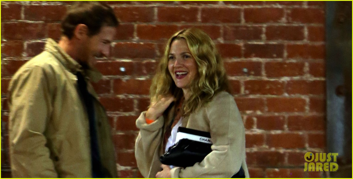 drew barrymore giggles after dinner date with will kopelman 032867396