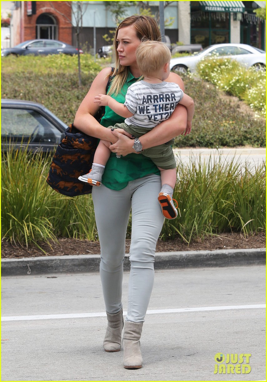 hilary duff feeling green with baby luca 10