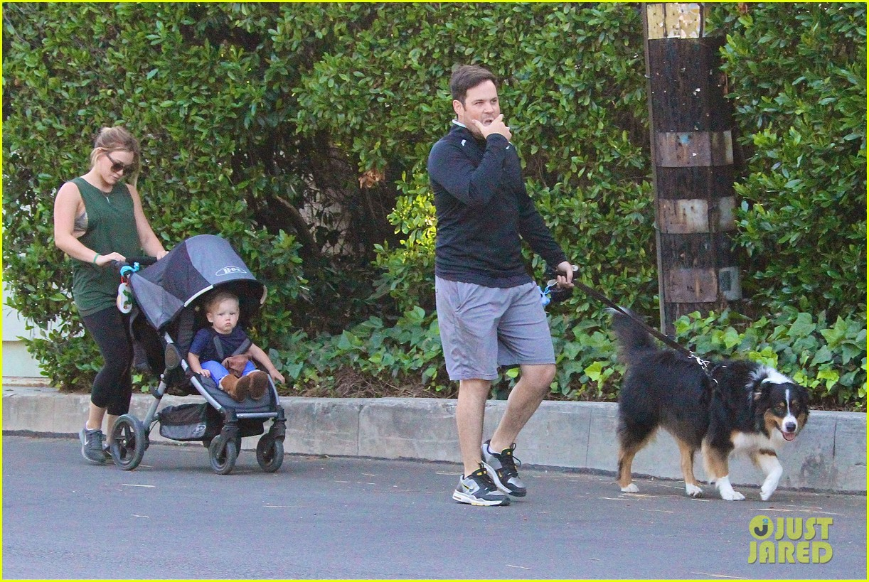 hilary duff mike comrie family hike with luca 022878260