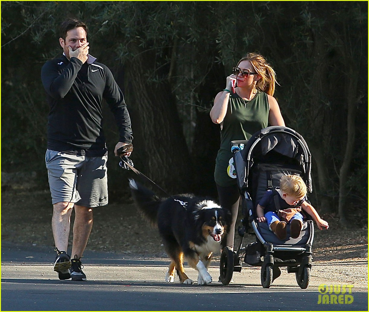 hilary duff mike comrie family hike with luca 102878268