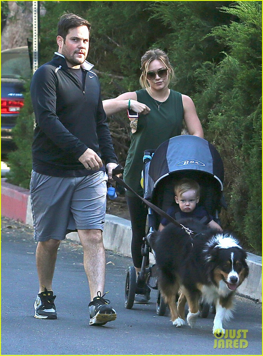 hilary duff mike comrie family hike with luca 112878269