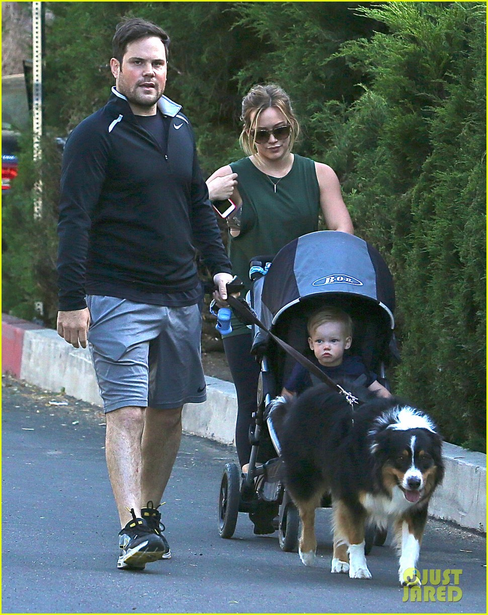 hilary duff mike comrie family hike with luca 13