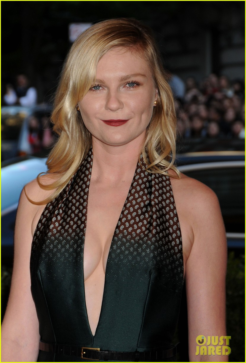 kirsten dunst met ball 2013 red carpet 052865099