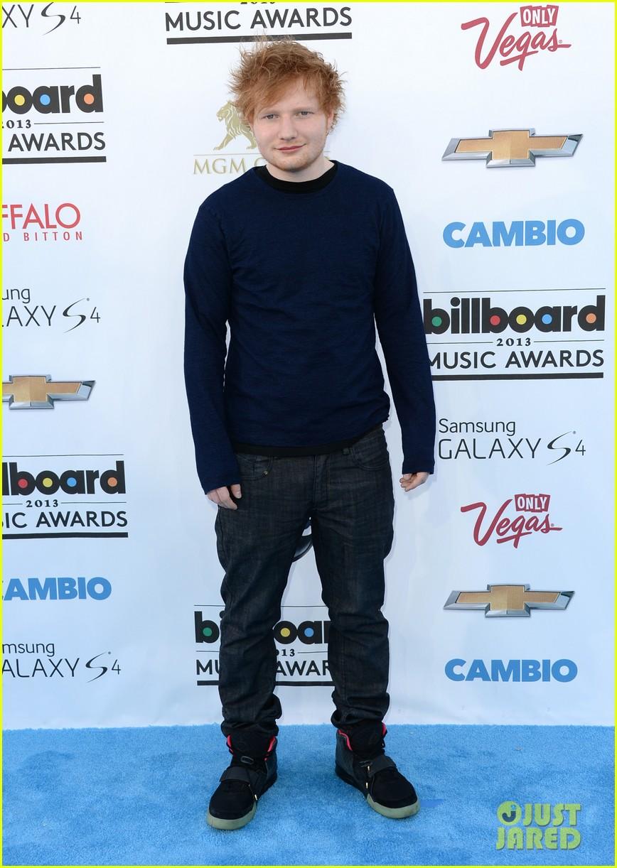 ed sheeran austin mahone billboard music awards 2013 red carpet 022873931