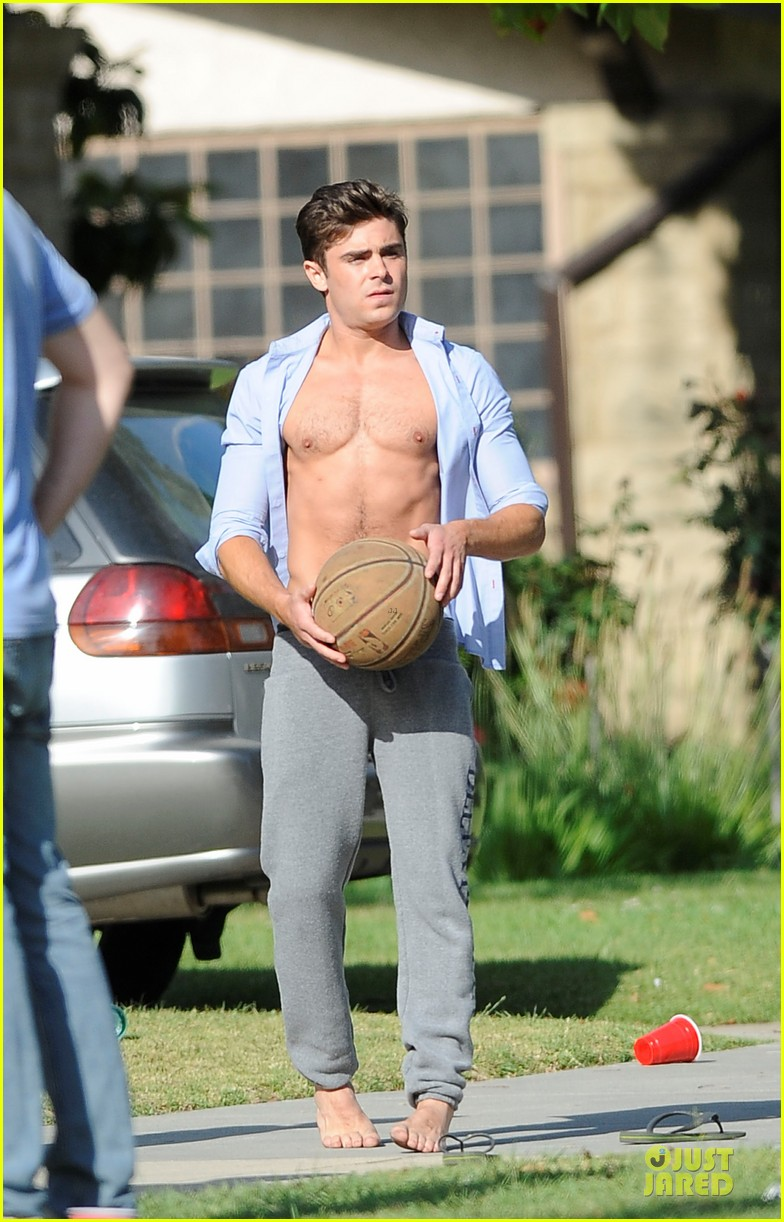 zac efron abs flashing townies basketball set 02