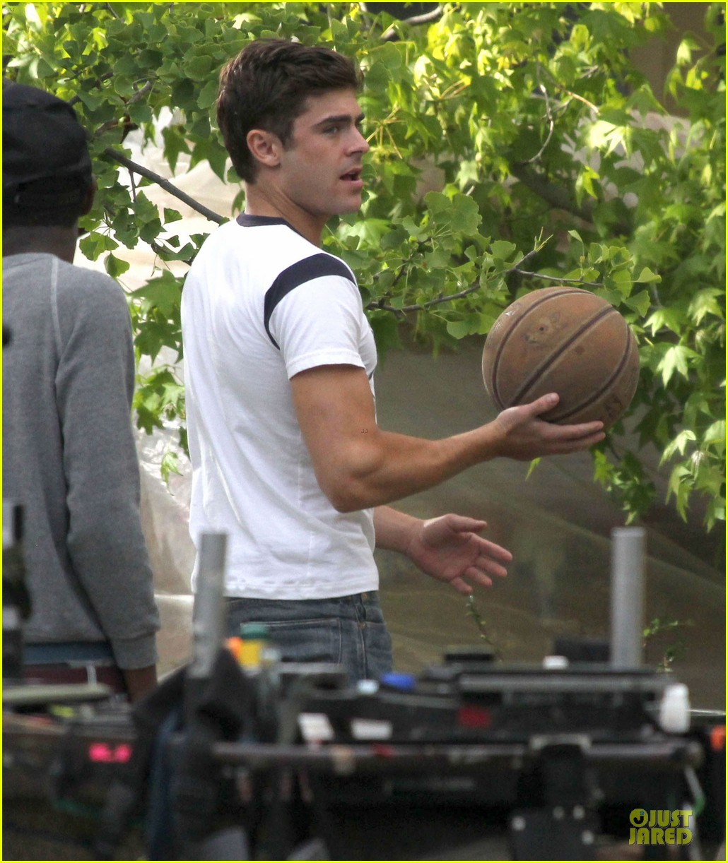 zac efron abs flashing townies basketball set 112866287
