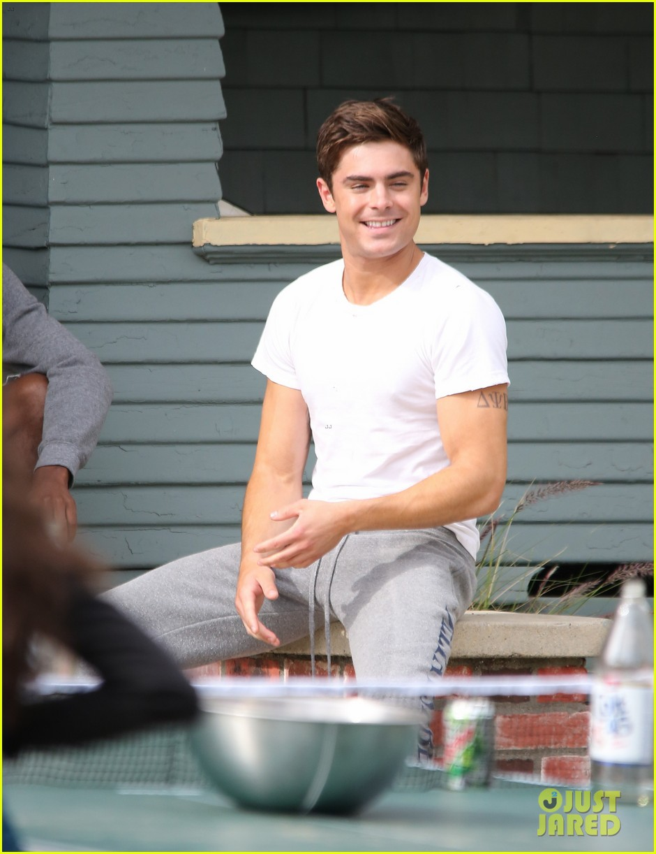 zac efron sweats it out with dave franco on townies set 05