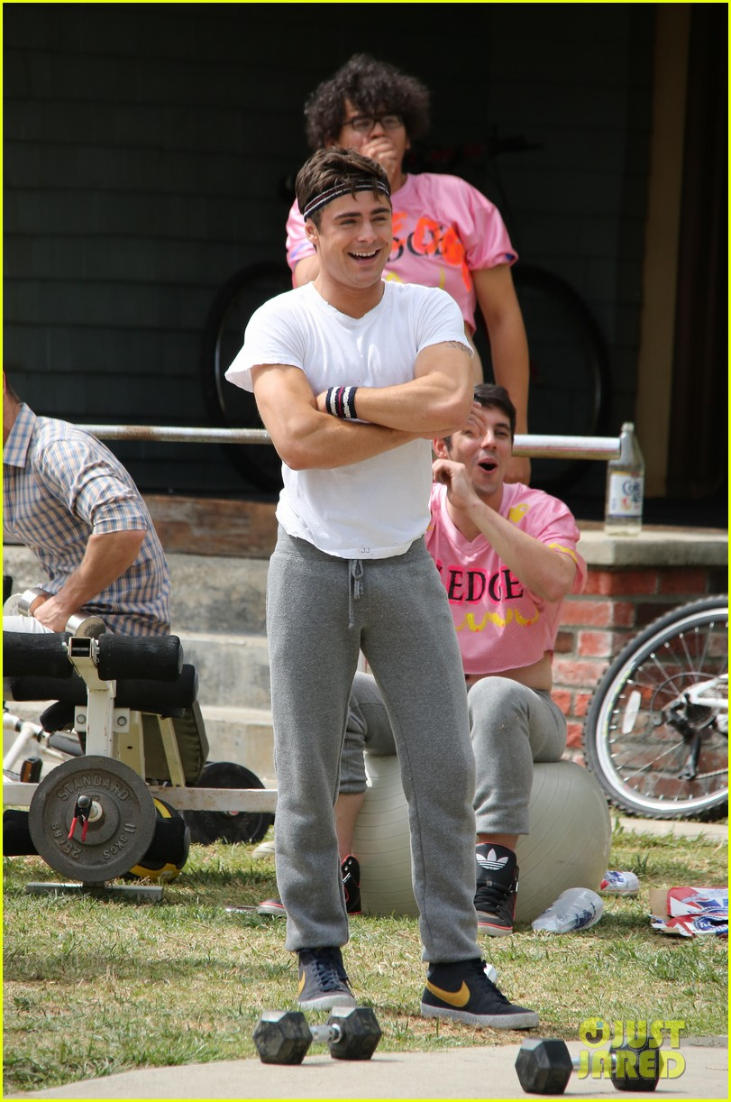 zac efron sweats it out with dave franco on townies set 122867024