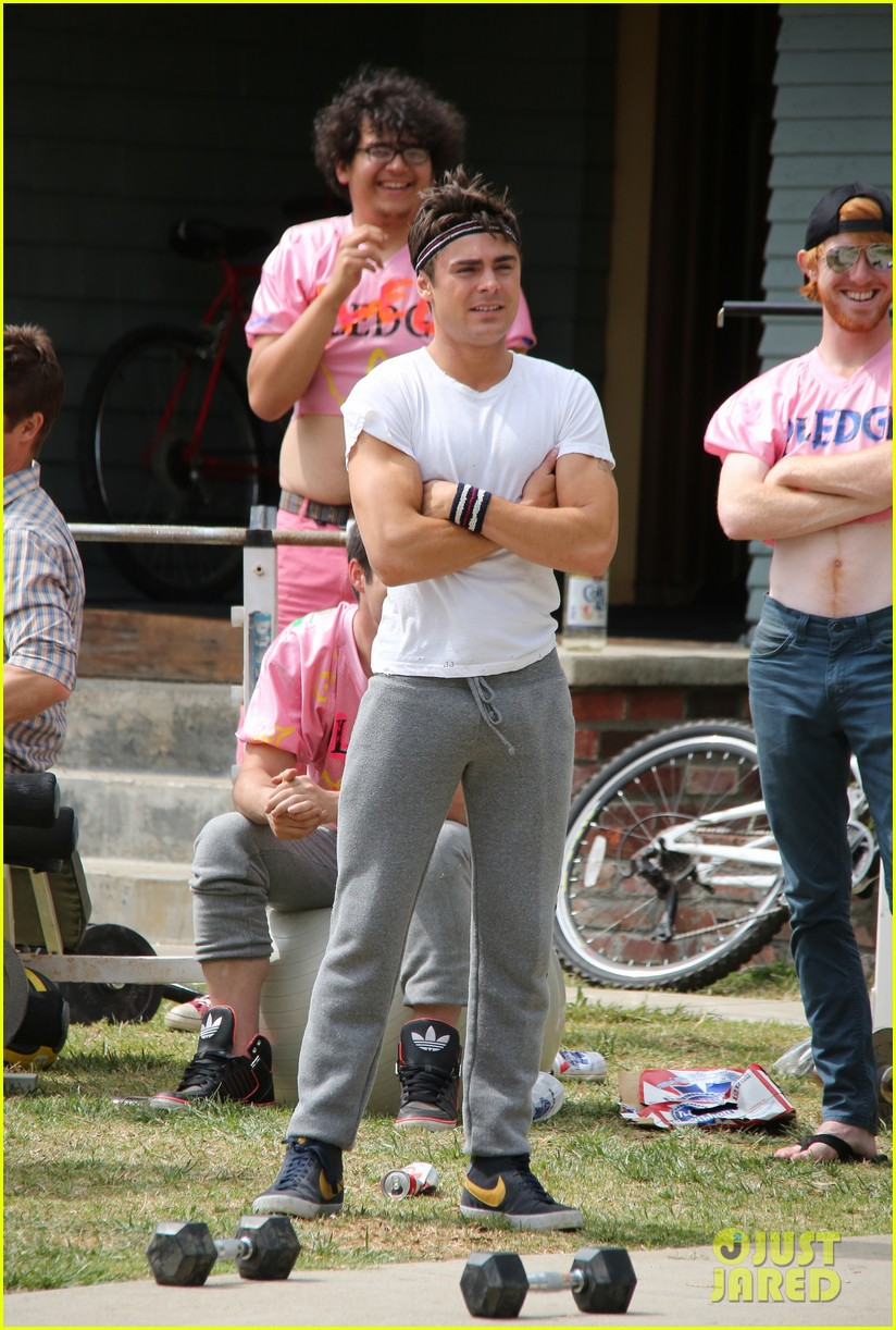 zac efron sweats it out with dave franco on townies set 132867025