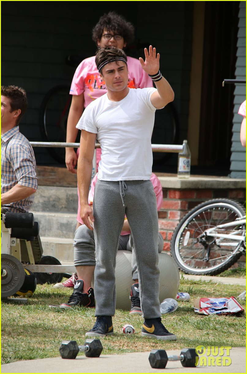 zac efron sweats it out with dave franco on townies set 142867026