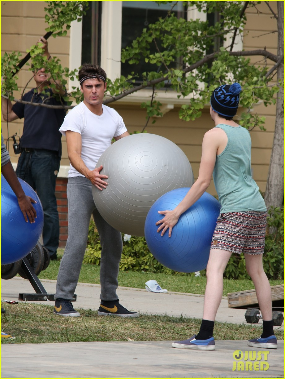 zac efron sweats it out with dave franco on townies set 172867029