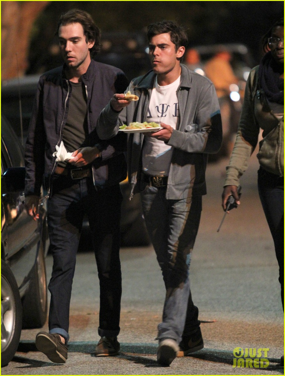 zac efron taco time for townies dinner break 232876769