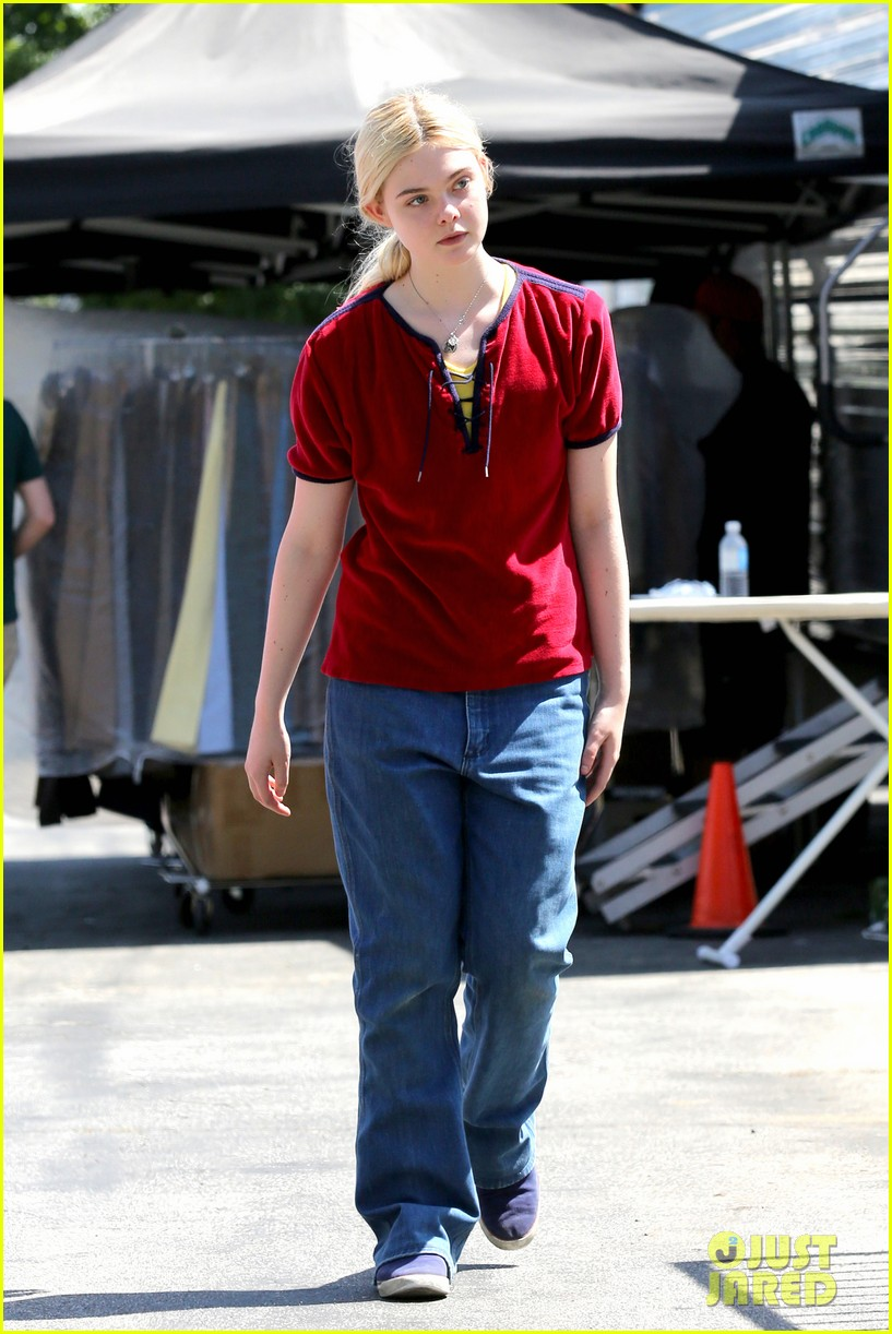 elle fanning hangs out on low down set 05