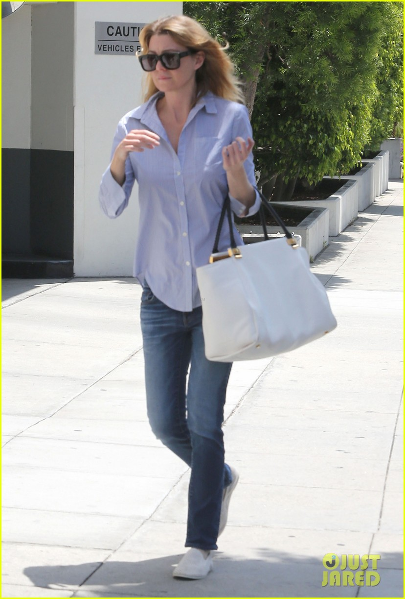 ellen pompeo gives greys anatomy showrunner funny nickname 012867329