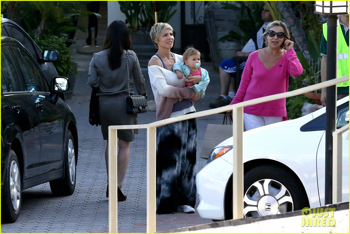 elsa pataky takes india to lunch with her mom 032879056