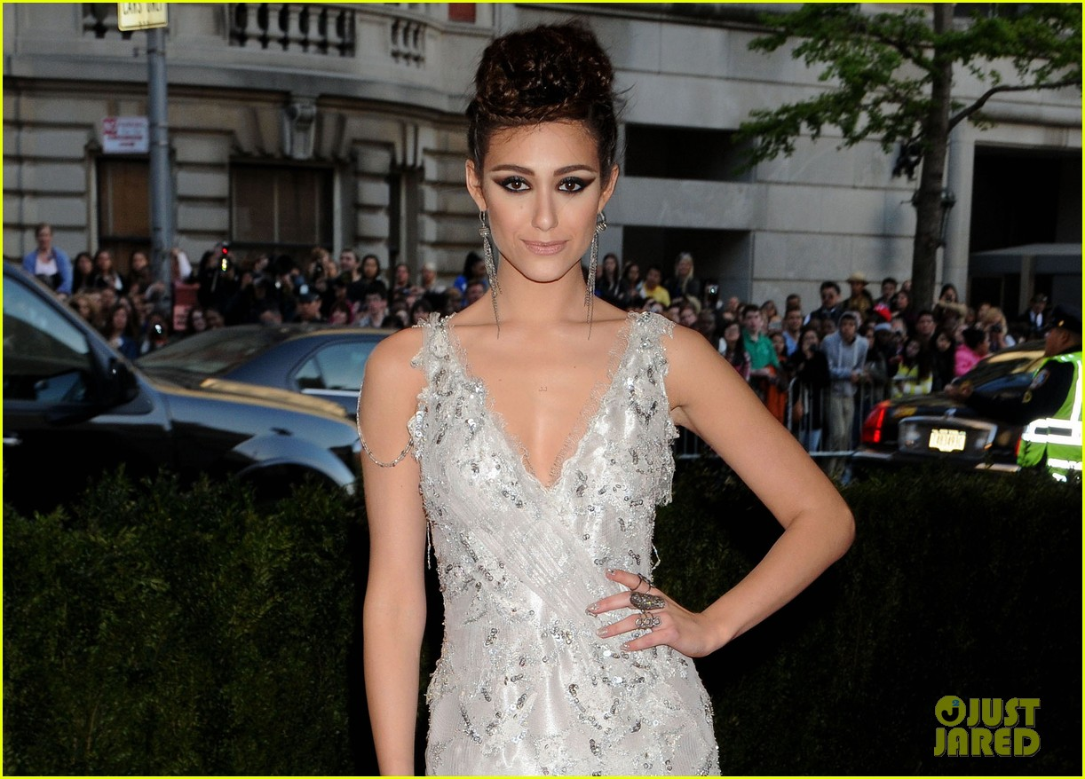 emmy rossum met ball 2013 red carpet 042865094