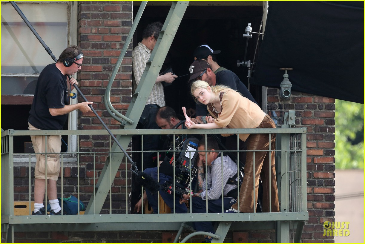 elle fanning low down set with peter dinklage 132868313
