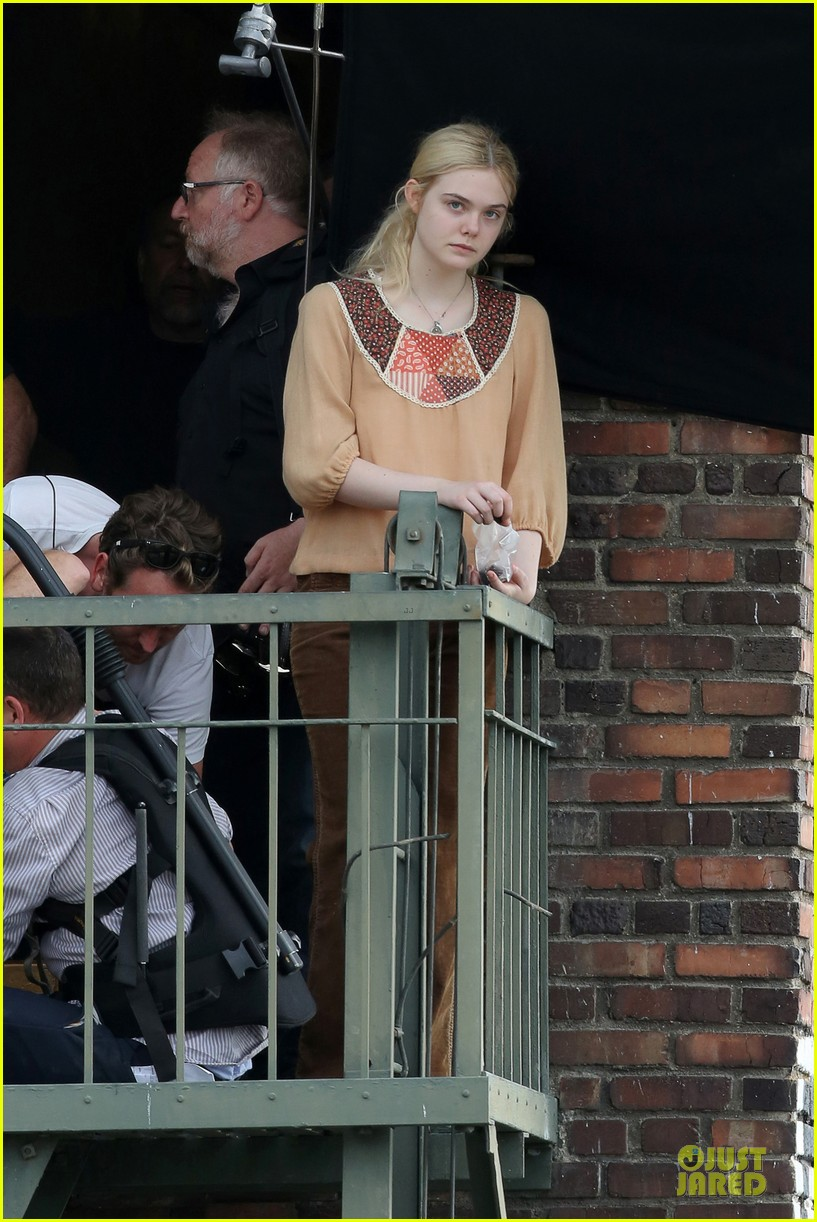 elle fanning low down set with peter dinklage 212868321