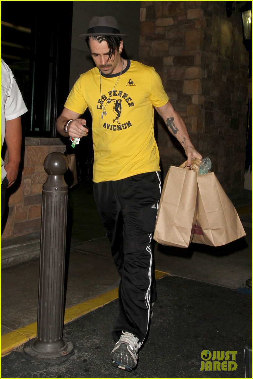 colin farrell picks up groceries on epic opening night 062878161