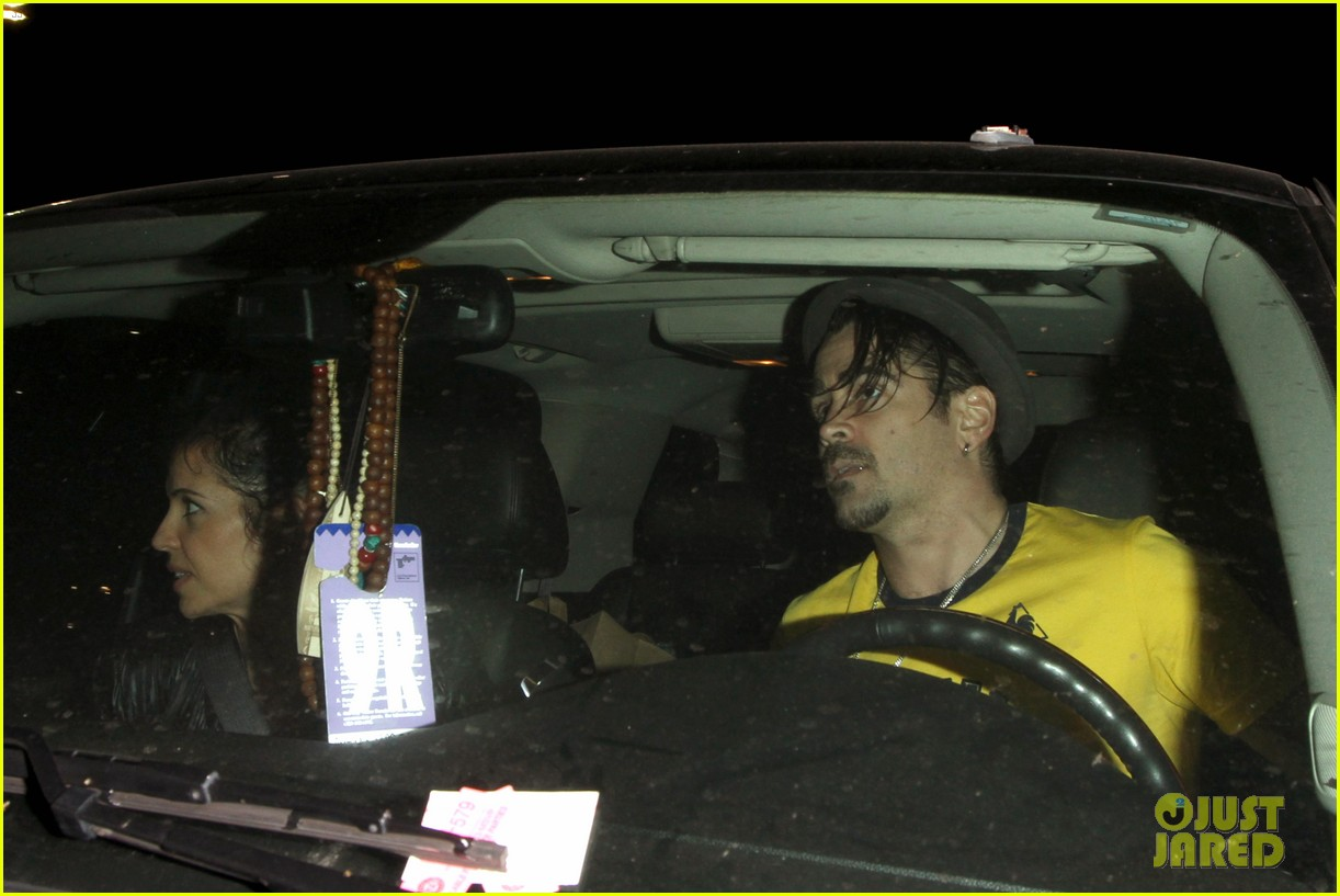 colin farrell picks up groceries on epic opening night 102878165