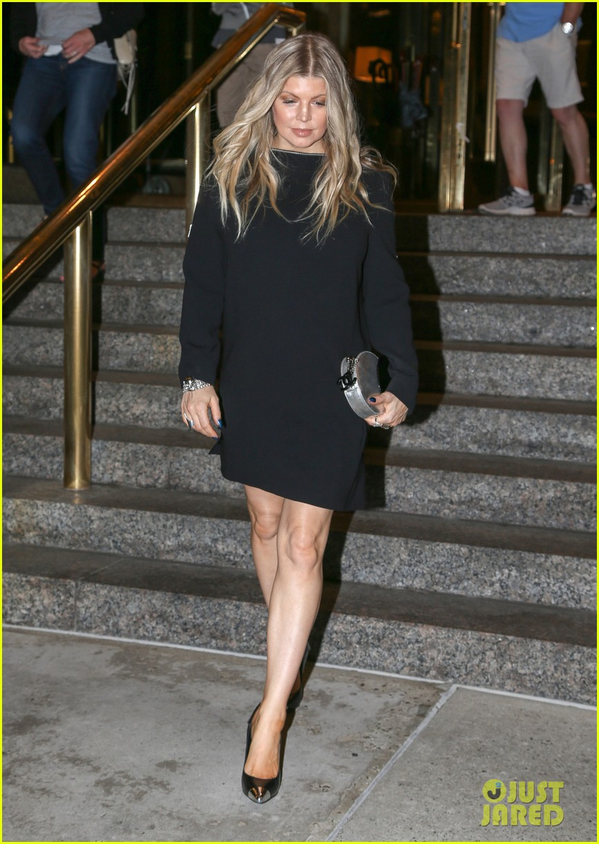 pregnant fergie busy in the big apple 012877295