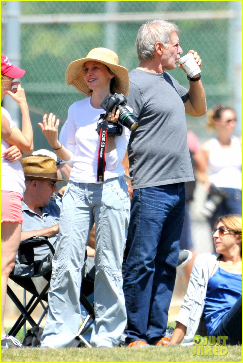 harrison ford calista flockhart liam soccer game 112868790