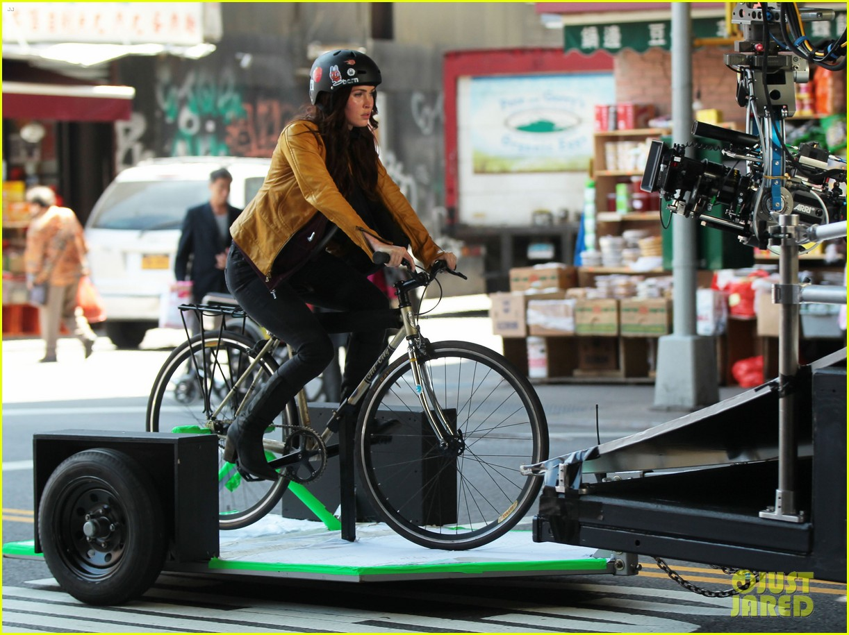 megan fox biking babe for teenage mutant ninja turtles 122868065
