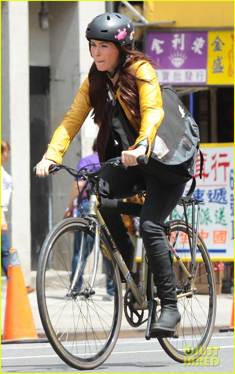 megan fox biking babe for teenage mutant ninja turtles 152868068
