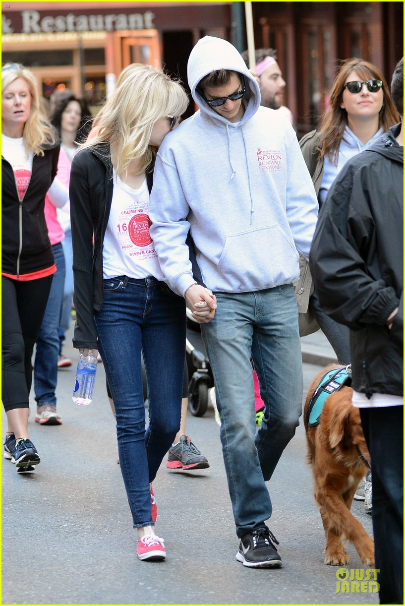andrew garfield emma stone holding hands at eif revlon run walk 052863534
