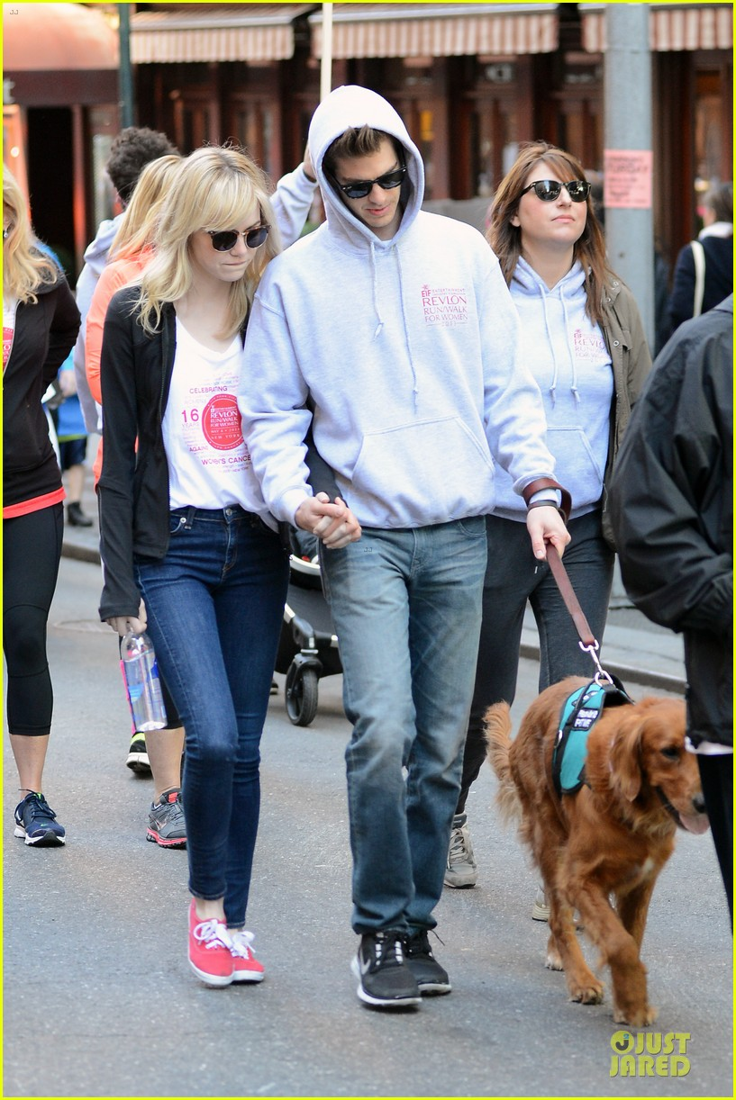 andrew garfield emma stone holding hands at eif revlon run walk 10