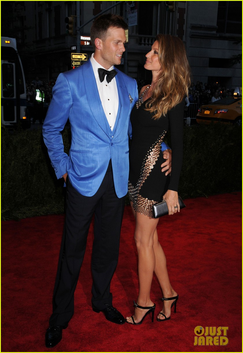 gisele bundchen tom brady met ball 2013 red carpet 032865219