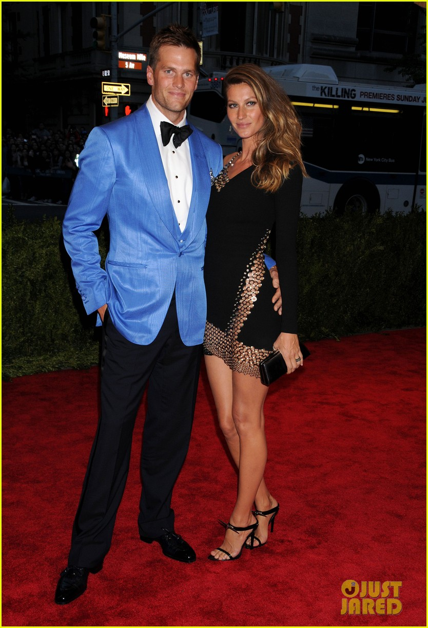 gisele bundchen tom brady met ball 2013 red carpet 042865220