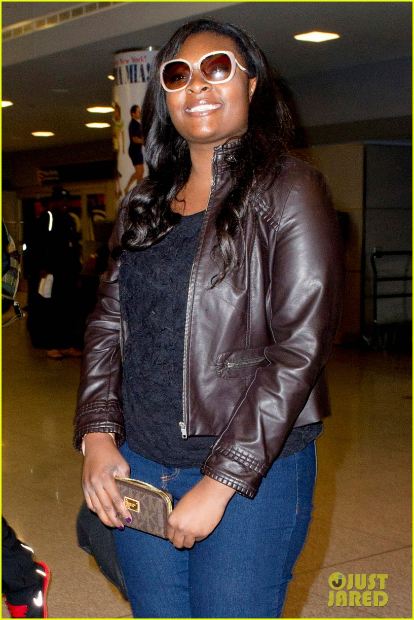 candice glover kree harrison jfk arrival for idol promo 02