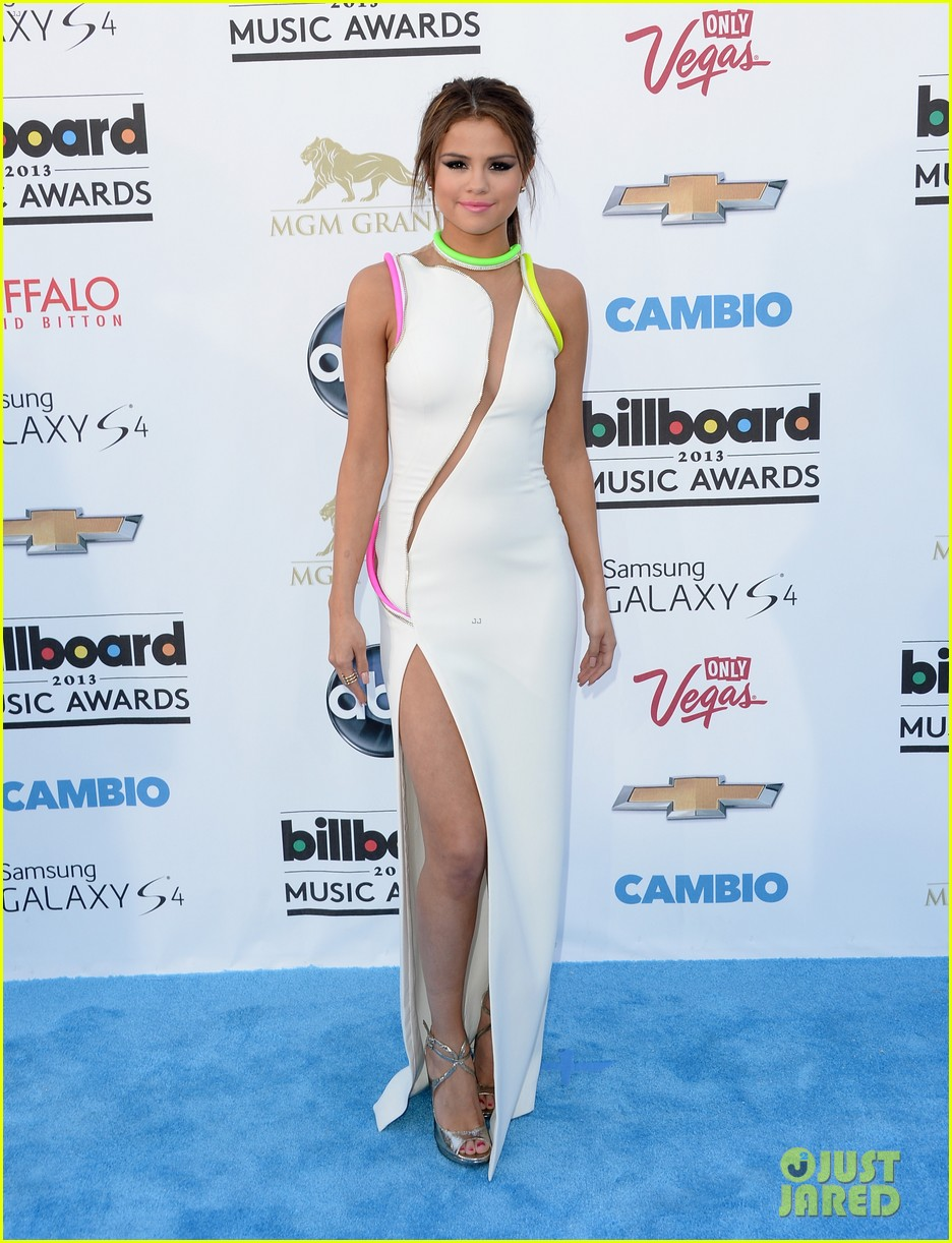 selena gomez billboard music awards 2013 red carpet 012873912