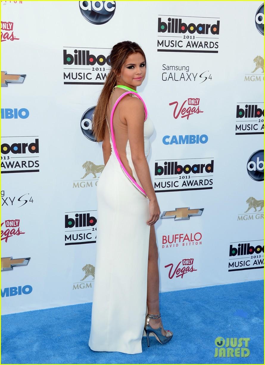 selena gomez billboard music awards 2013 red carpet 052873916
