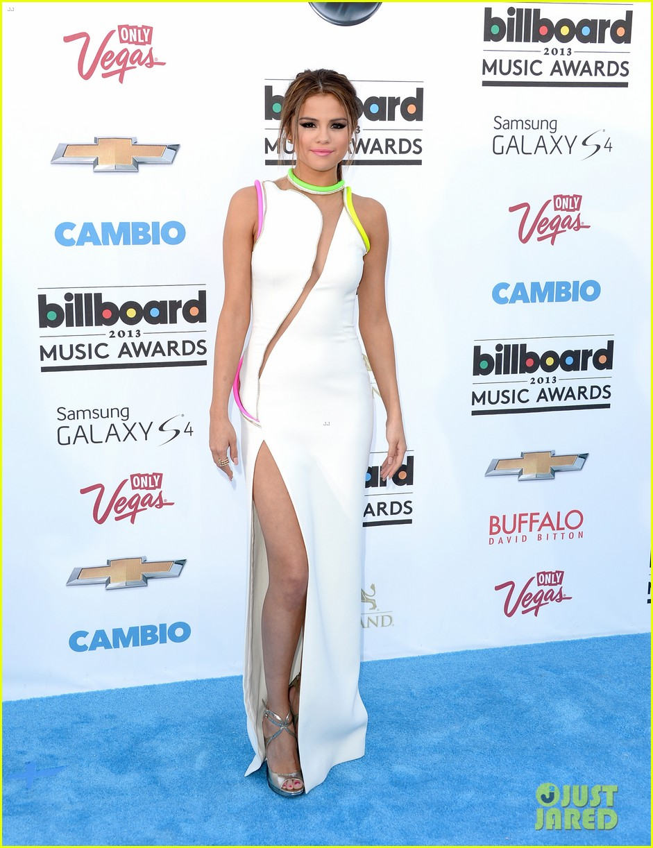 selena gomez billboard music awards 2013 red carpet 072873918