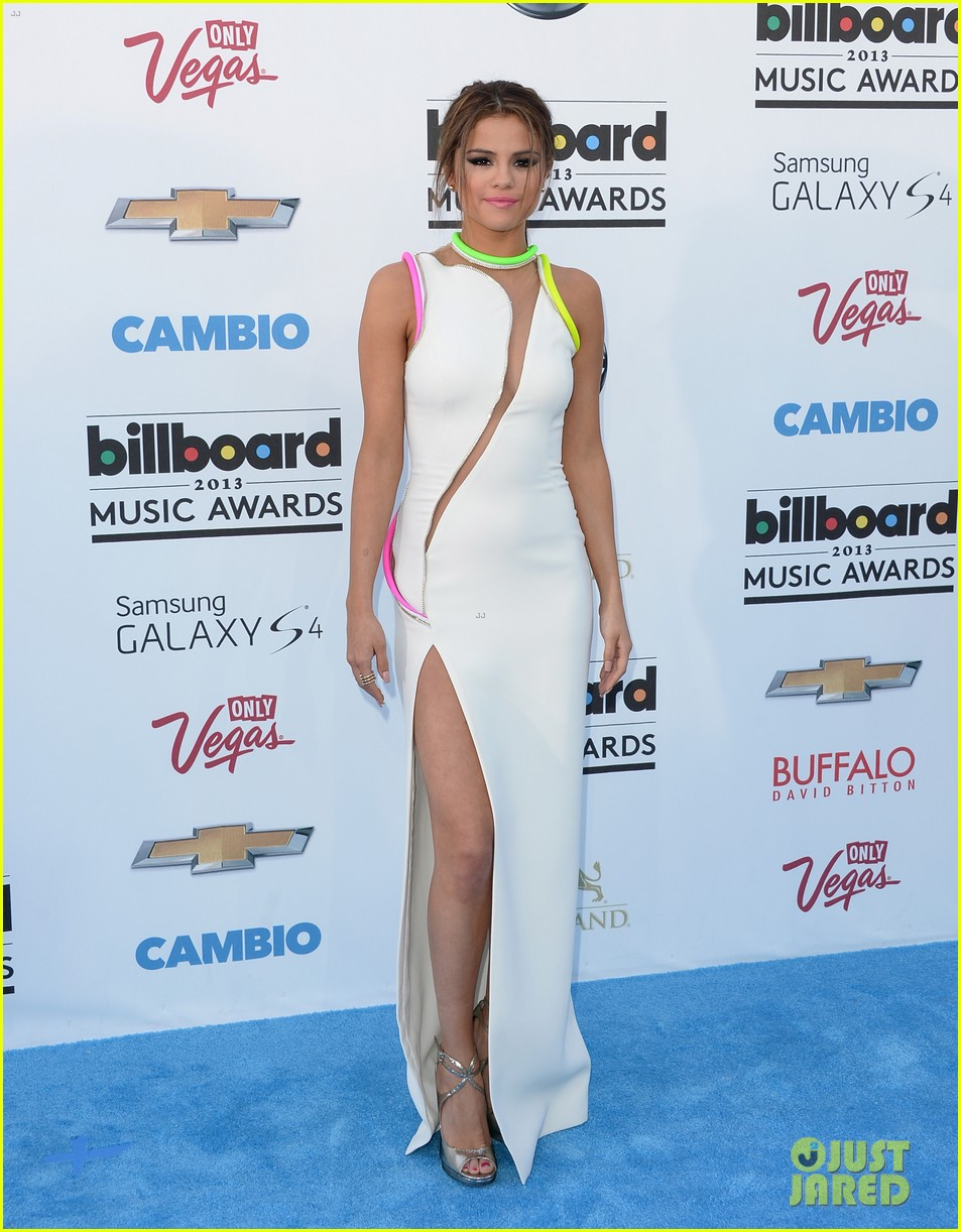 selena gomez billboard music awards 2013 red carpet 142873925